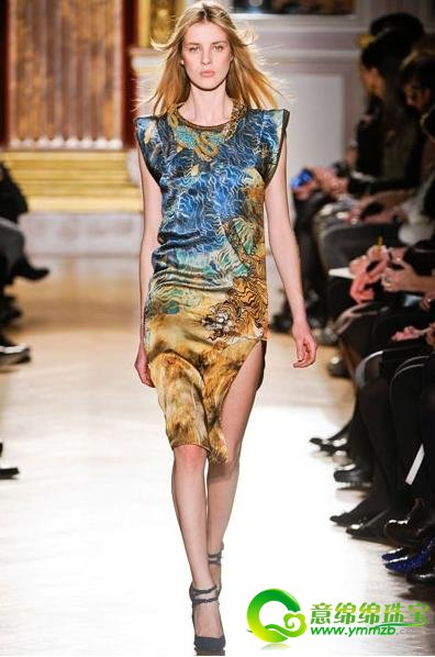 多彩多样的动物纹理搭配 彰显时尚狂野性感