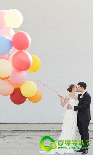 一场缤纷气球的创意婚礼 洋溢着甜蜜的气氛