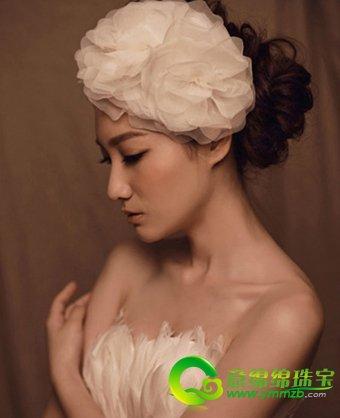 一款充满风情的新娘发型