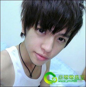 当下韩式男生发型最流行的是刘海短发