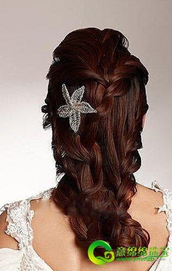 蓬松卷发vs编织马尾新娘发型 哪一款准新娘们最水心图片