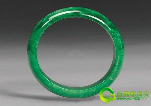 中国 翡翠/在古代,贵妃手镯就是一种表现高贵婉约的手镯,自从翡翠进入...