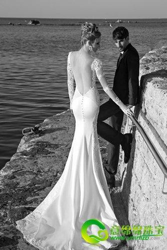鱼尾裙婚纱展现玲珑身姿