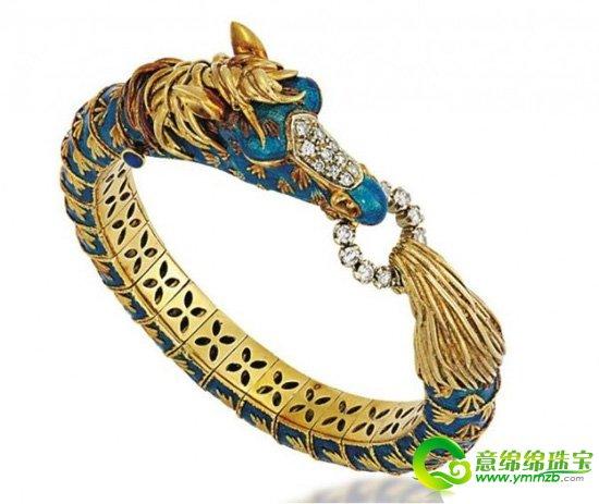 在珠宝设计中,我们不难发现动物元素的珠宝,特别是在今年,许多珠宝